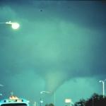 Une tornade sur la planète Terre