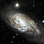 L'insolite galaxie spirale M66