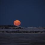 La Lune au-dessus de l'Antarctique