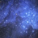 Pléiades et poussières d'étoiles