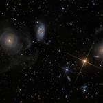 Galaxies à coquilles dans les Poissons
