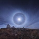 Cercle autour de la Lune sur l'Atacama