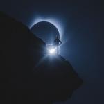L'alpiniste et l'éclipse