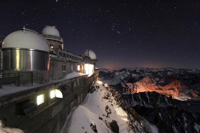 nuit d 39 hiver au pic du midi l 39 image d 39 astronomie du jour apod. Black Bedroom Furniture Sets. Home Design Ideas