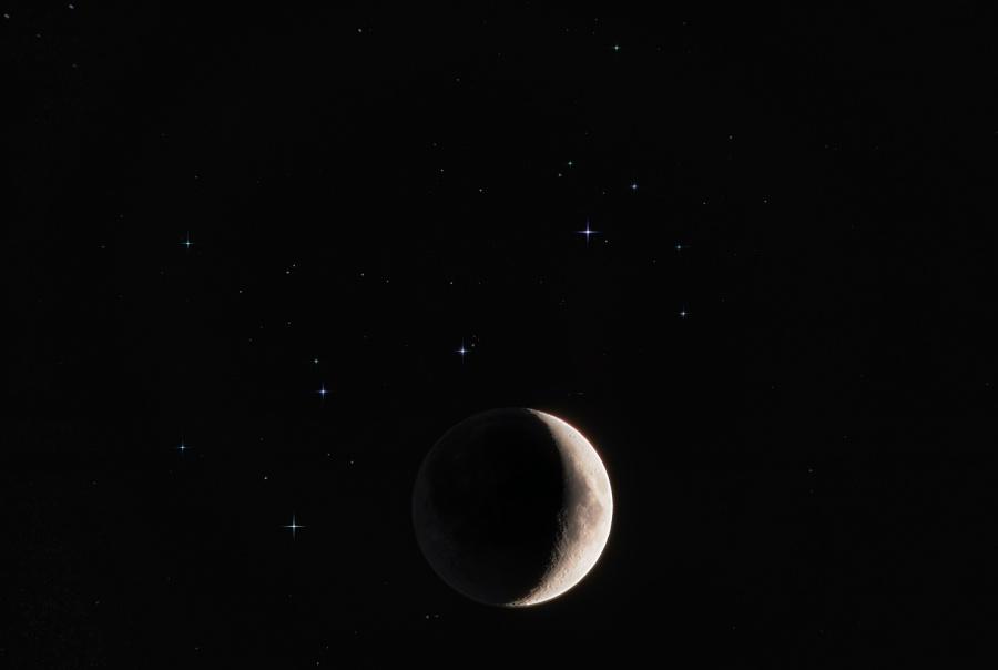 la jeune lune et les toiles soeurs l 39 image d 39 astronomie du jour apod. Black Bedroom Furniture Sets. Home Design Ideas