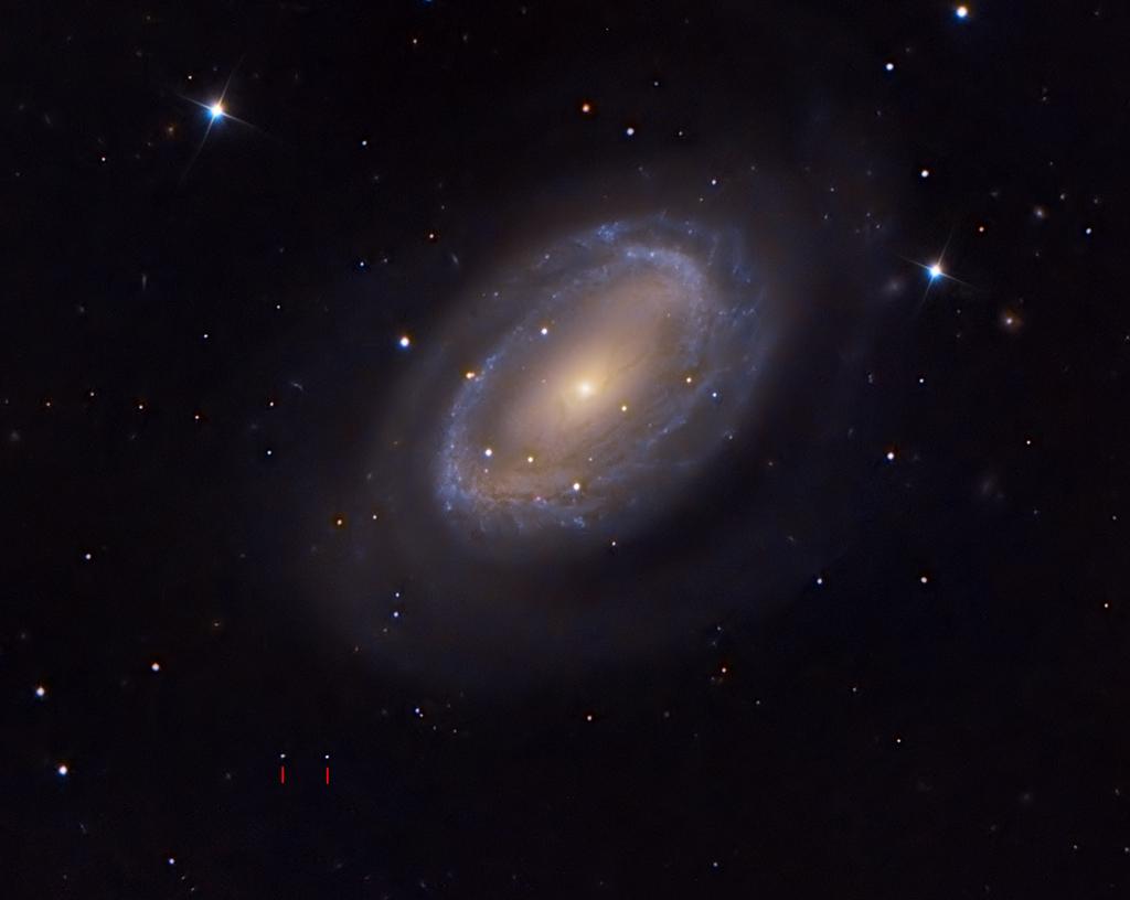 Le Lapin de Pâques arrive chez NGC 4725