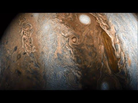 En orbite autour de Jupiter