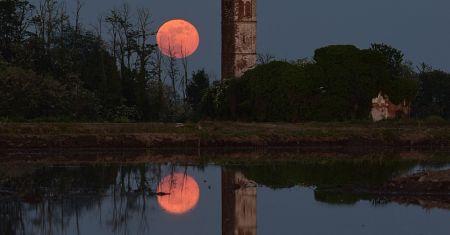 Lever de Lune sur le Piedmont