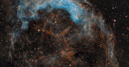 NGC 3199 battue par les vents stellaires