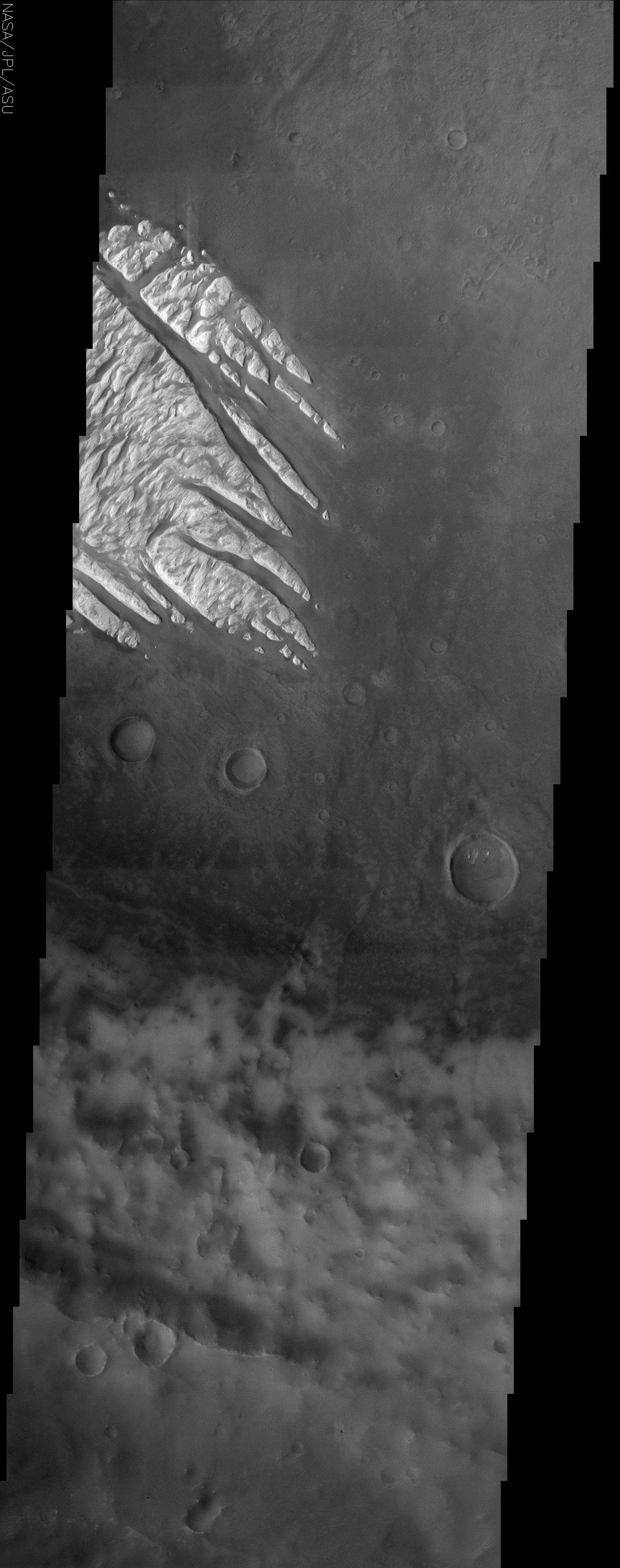 Des doigts de roches blanches sur Mars