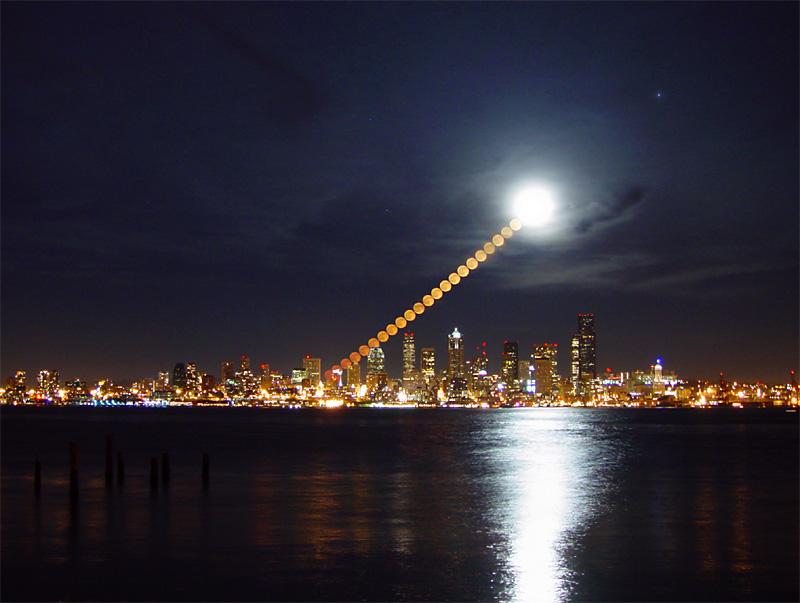Lever de Lune sur Seattle