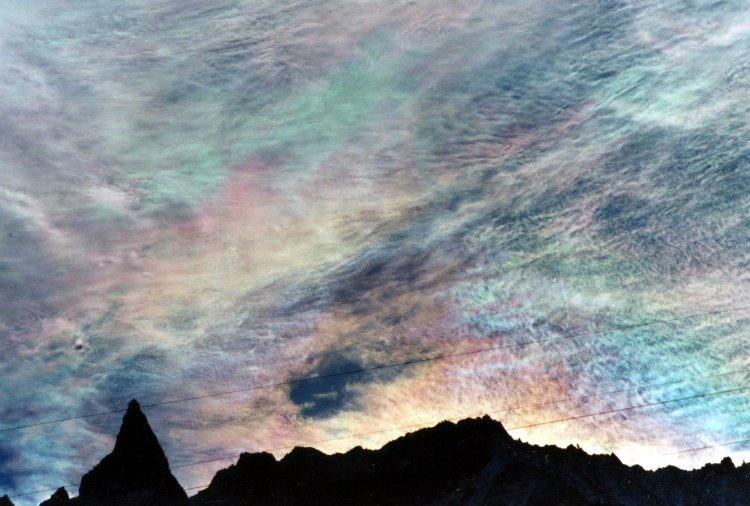 Nuages iridescents sur l\'Aiguille de la Tsa