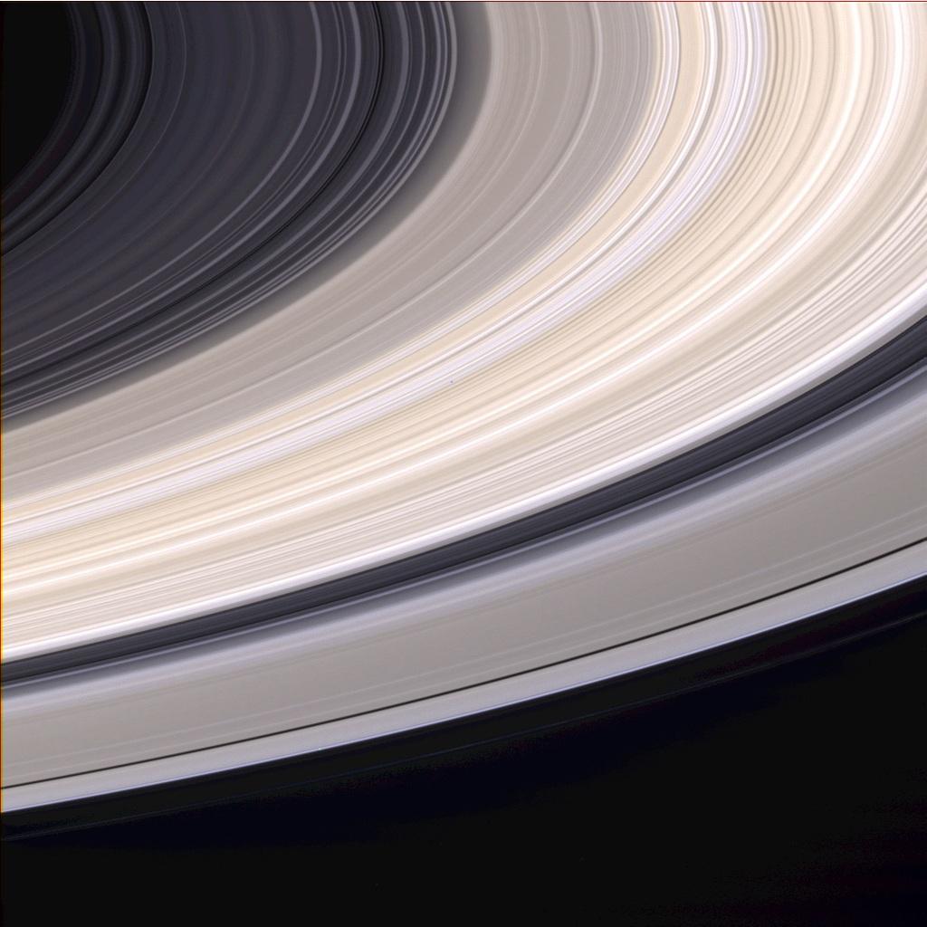 Les anneaux de Saturne en vraies couleurs