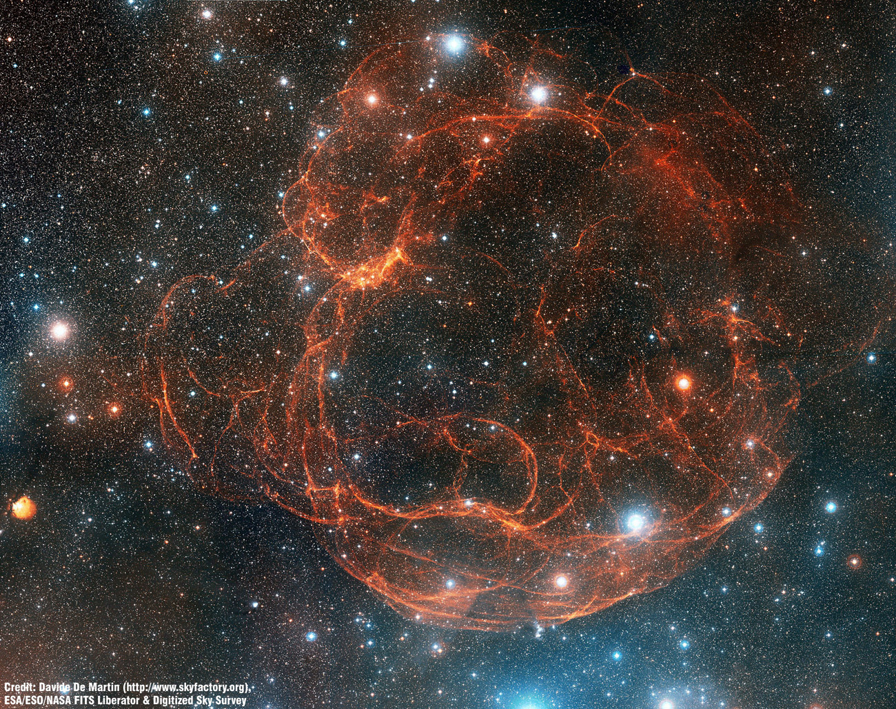 Simeis 147, un rémanent de supernova vu depuis le Mont Palomar