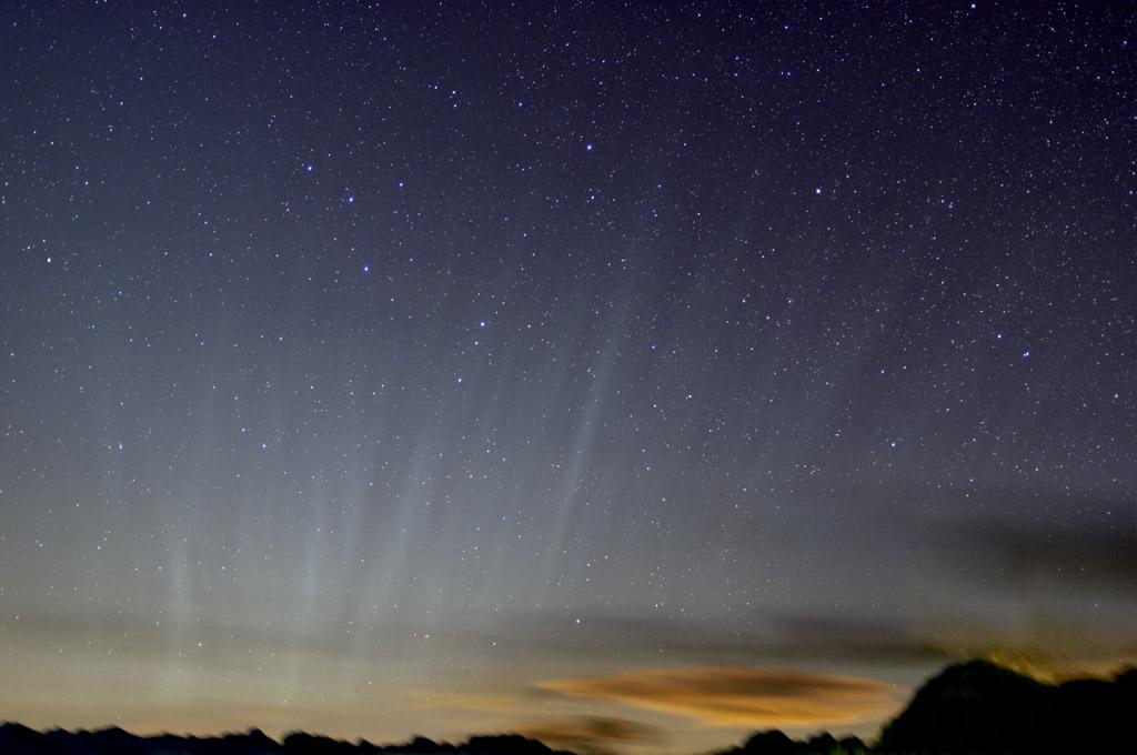 Queue de comète à l'horizon