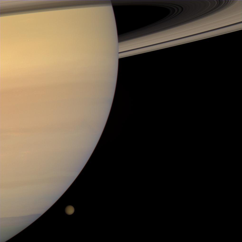 Saturne et Titan vus par Cassini