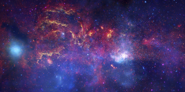 Les grands observatoires spatiaux unissent leurs forces en direction du centre galactique