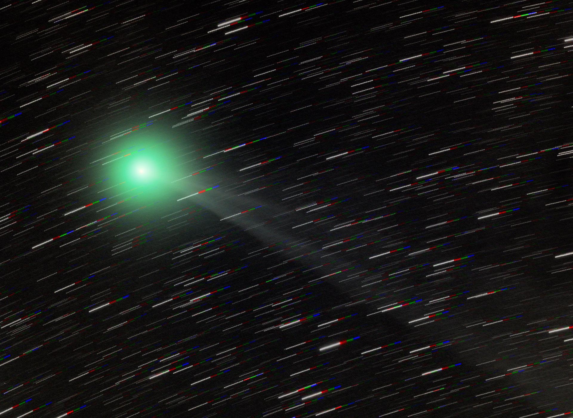 La comète Lemmon près du pôle céleste sud
