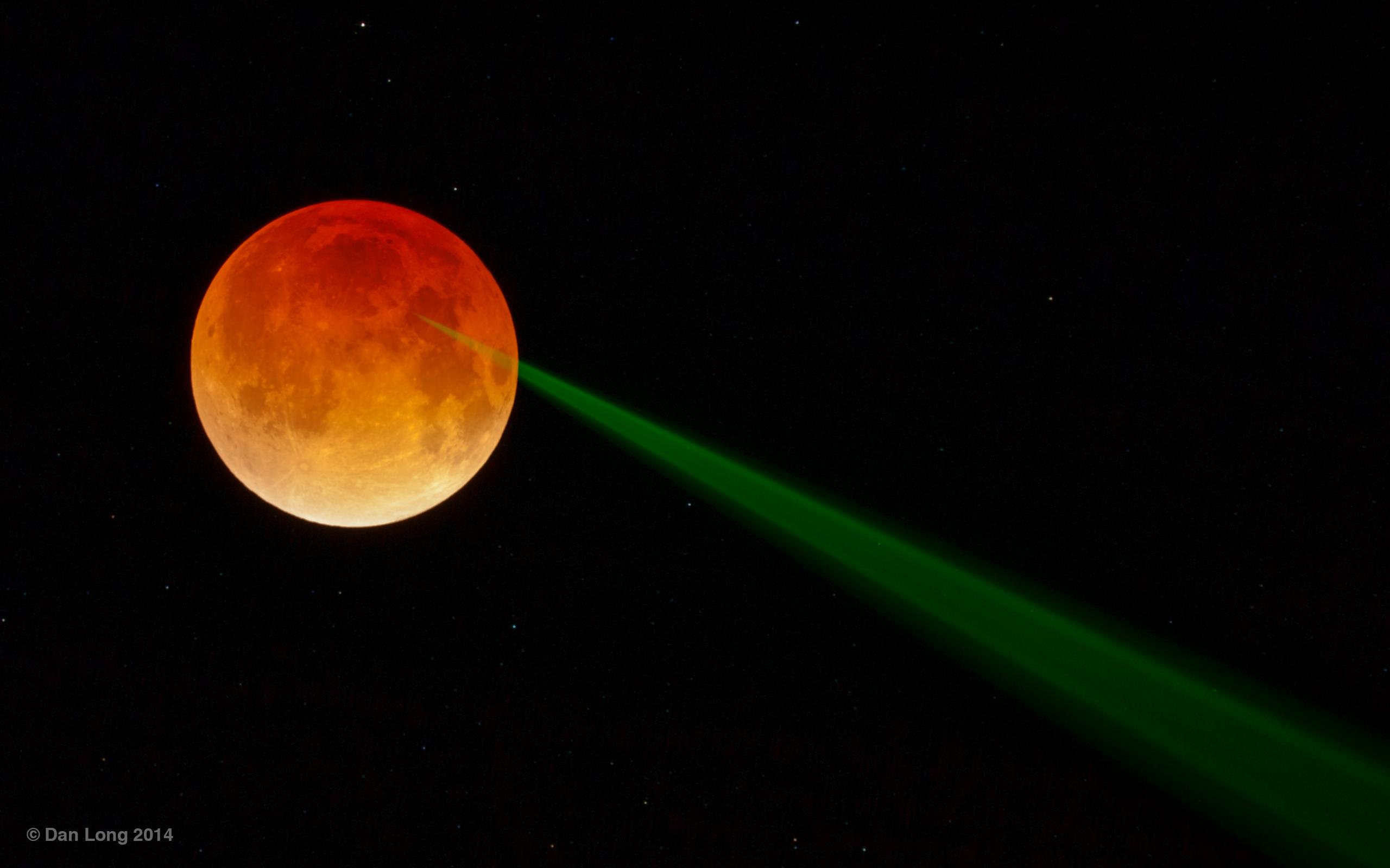 Le rayon vert de la Lune rouge