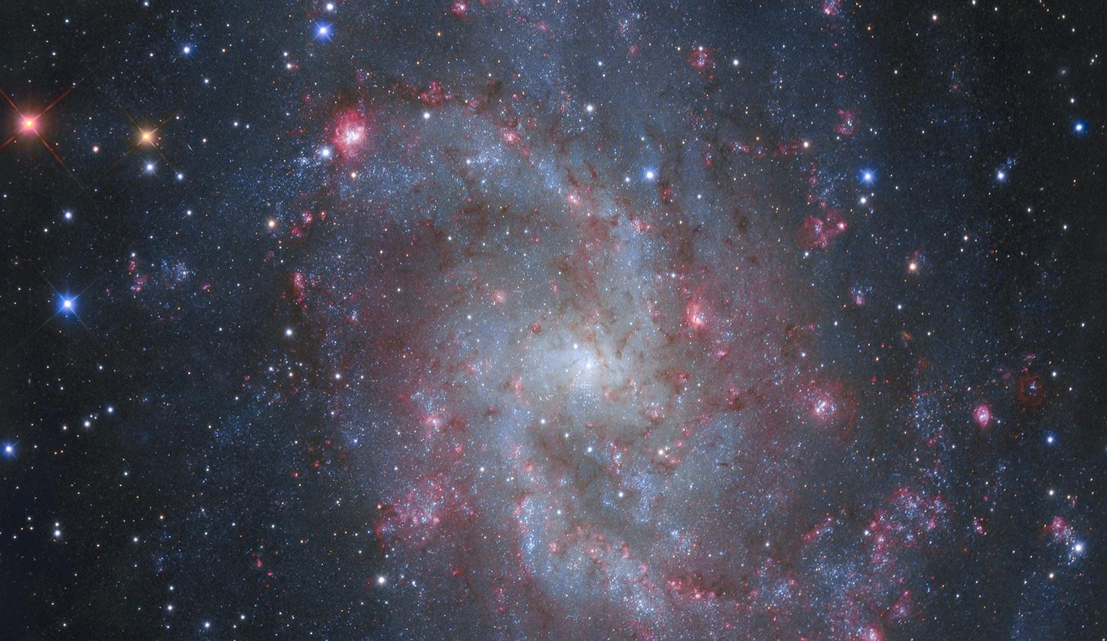 Les nuages d\'hydrogène ionisé de M33