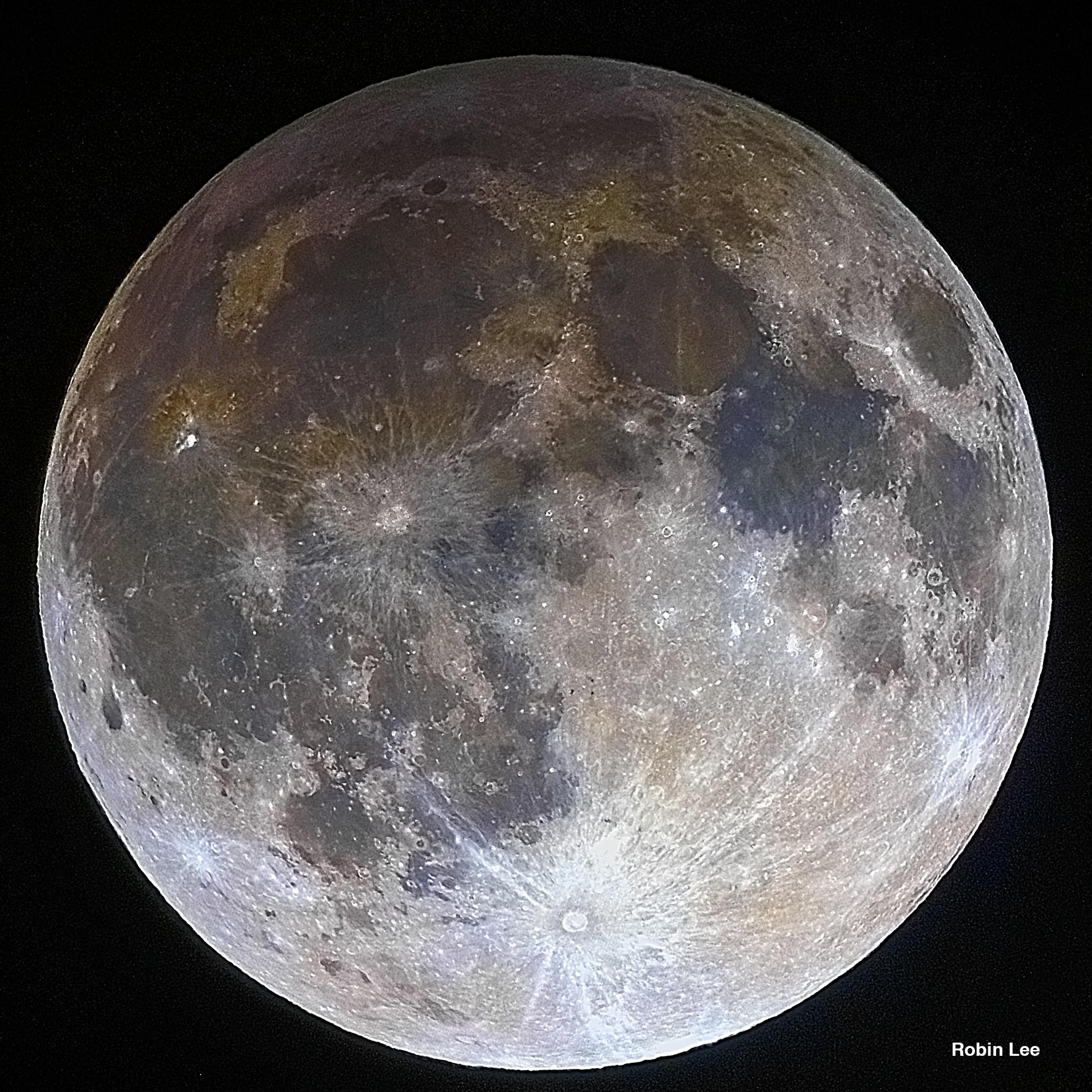 Lune éclipsée par la pénombre