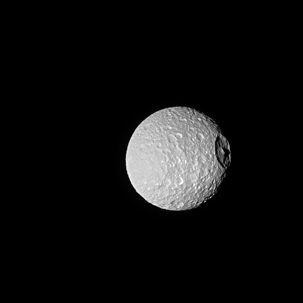 Ombres portées sur Mimas