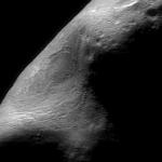 Une gouge géante sur l'astéroïde Eros