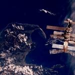 Rêves de Mir - Cette image de la station Mir a été prise, au-dessus de la Nouvelle Zélande, en mars 1996 depuis la navette Atlantis lors de la mission STS-76