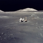 Apollo 17 : un paysage lunaire d'une somptueuse désolation