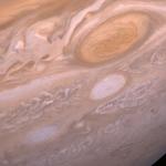 Bataille de systèmes orageux géants sur Jupiter