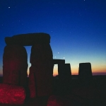 Des planètes au-dessus de Stonehenge