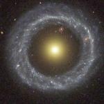 Objet de Hoag: une étrange galaxie anneau