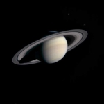 Cassini approche de Saturne
