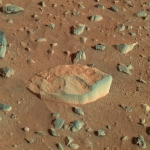 Le Bateau Blanc de pierre sur Mars
