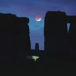 La Lune entre les pierres -