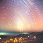 Filés d'étoiles sur le Kilimandjaro