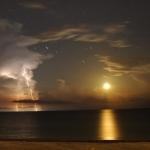 Lune et éclairs -