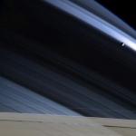 Mimas, les anneaux et leur ombre