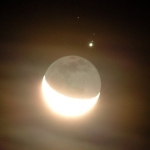 Jupiter et la lumière cendrée de la Lune