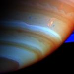 La tempête du Dragon sur Saturne