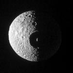 Un cratère sur Mimas
