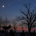 La Lune de décembre rencontre l'étoile du Berger