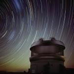 Filé d'étoiles au-dessus de Gemini Sud