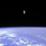Voler librement dans l'espace