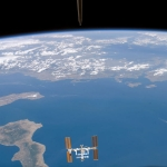 La Station Spatiale Internationale au dessus de la mer Ionienne