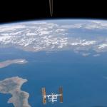 La Station Spatiale Internationale au dessus de la mer Ionienne -