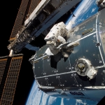 Le laboratoire Columbus arrimé à la Station Spatiale Internationale
