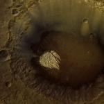 Mystérieux doigts de roche blanche sur Mars