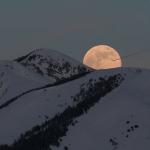La plus belle lune de 2009 au-dessus des Alpes