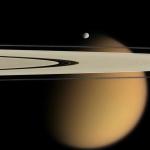 Titan derrière les anneaux